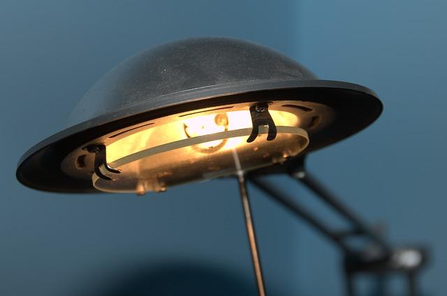 stolní lampička.jpg
